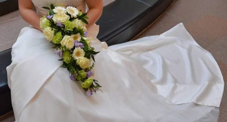 Smuk brudekjole fra Lilly
