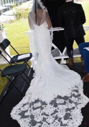 Smuk brudekjole str. 34-36 (brugt)