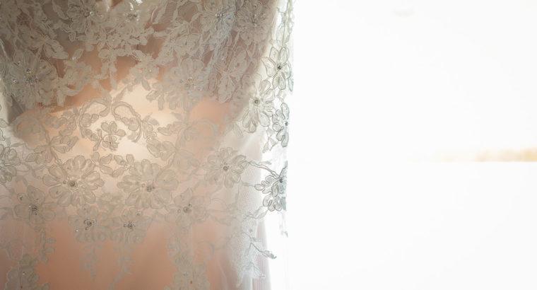 Smuk Blonde Brudekjole