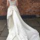 Brudekjole med langt slæb i silke