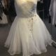 Kort brudekjole i silke