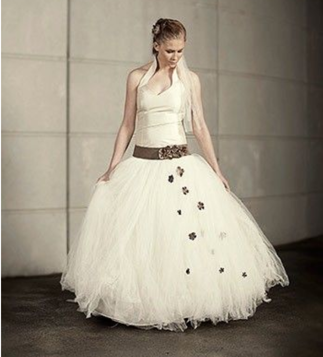 Super flot designer brudekjole fra Hundborg Handma – Pure