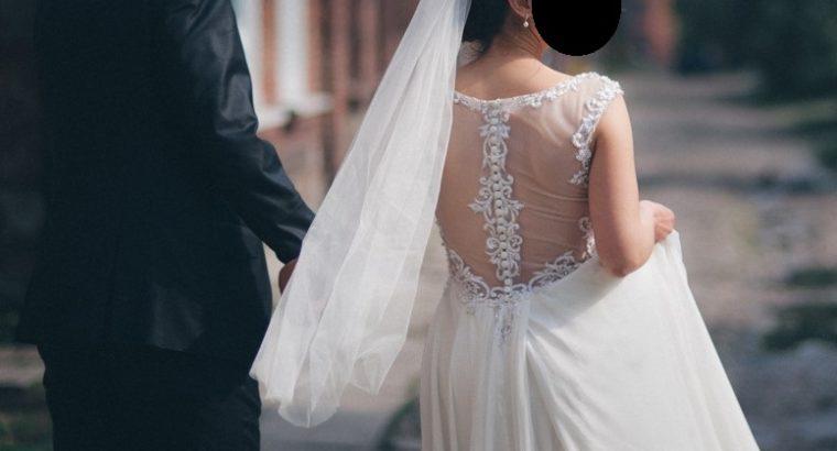 Smuk Mori Lee kjole str. 36 – Chiffon with Crystal