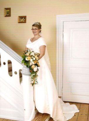Smuk brudekjole str 42-44