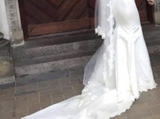 Brudekjole str 34-36, skræddersyet