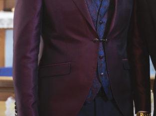 Jakkesæt med vest og skjorte sælges