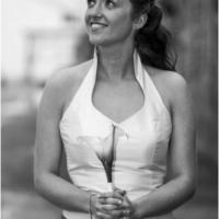 Super flot designer brudekjole fra Hundborg Handmade